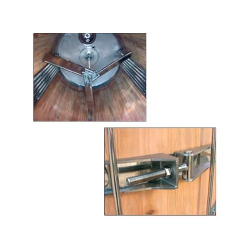 Depósito inoxidable con fondo plano inclinado y camisa interior, recubierto de madera