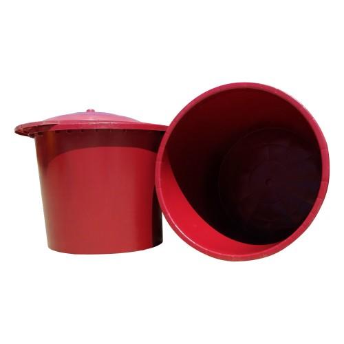 Barreño de plástico rojo